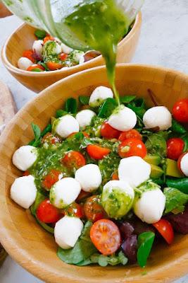 Caprese Veg Salad & Pesto Sauce