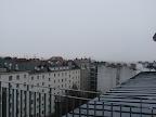 Extrem niedriger Luftdruck kündigt schlechtes Wetter an und so beginnt es nun bei aktuellen 3 Grad in Wien-Favoriten zu regnen. Der Regen wird im Laufe des Mittags stärker und der Regen geht immer mehr in Schneefall über. Ob sich eine Schneedecke ausbilden wird ist aber fraglich. Zurück zum Luftdruck, mit 979 hPa ist heute der niedrigste Wert seit Messbeginn der Wetterstation in 2012 gemessen worden. #wetter #wien #favoriten #wetterwerte