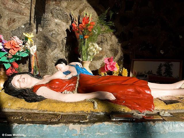 La Difunta Correa,Deolinda Correa,Shrines in Argentina