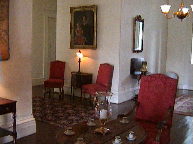 0720Inside_a_Southern_Mansion_-_New_Orleans