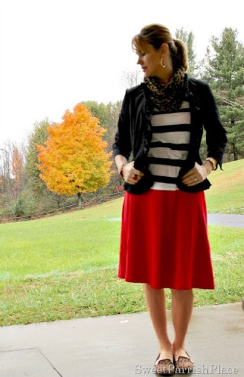 Red-skirt-striped-shirt-leopard-scarf-3