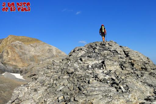 Alcanzando la cima. © aunpasodelacima