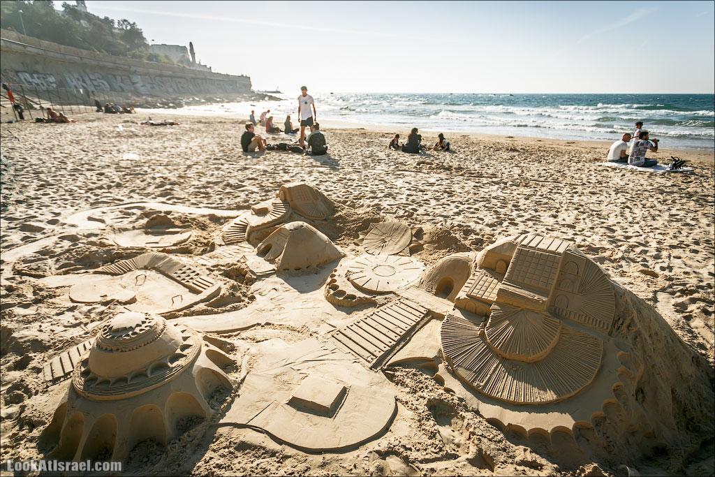 Город из песка на пляже Тель Авива