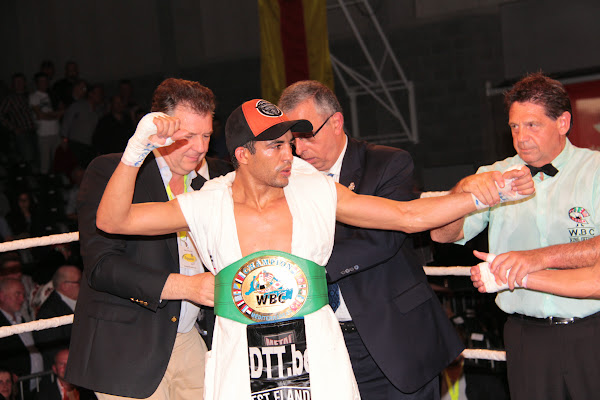 Hedi Slimani wint de WBC titel mediterranean lightweight