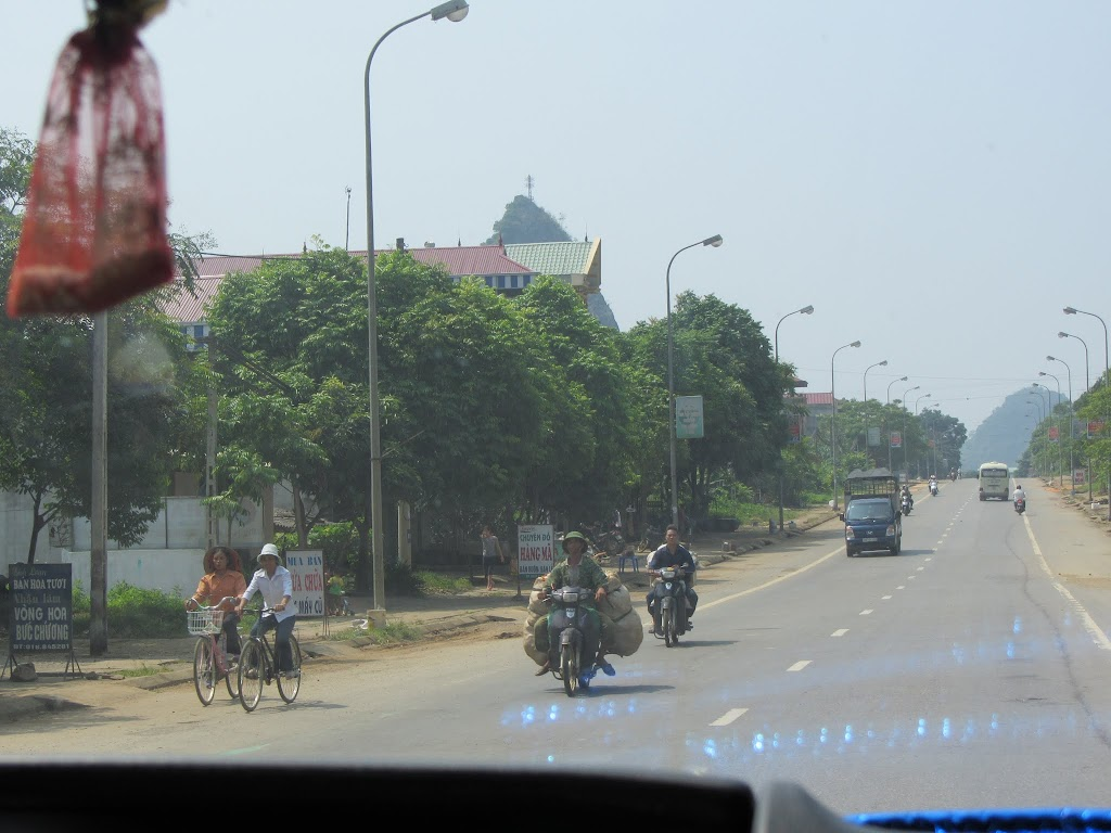 0046The_Road_to_Mai_Chau