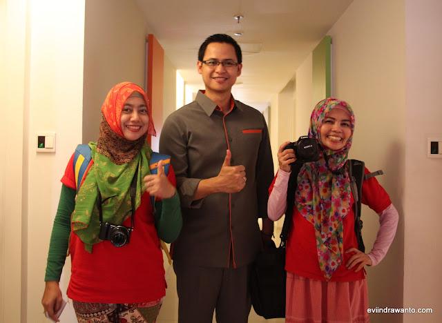 Pak Arif dan Duo Tante Blogger :) (kabur takut dikeplak)