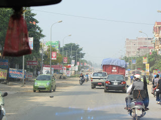 0001The_Road_to_Mai_Chau