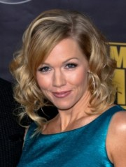 jennie garth hairstyle 2011 - hair