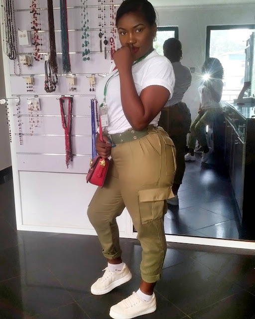 Curvy Corper With Big Backside Breaks The Internet (Photo) Curvy Corper With Big Backside Breaks The Internet (Photo) Insta image 38