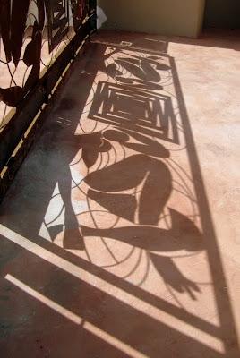 L'ombra del cancello realizzato da Enzo