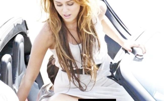 Miley Cyrus Upskirt No Panties Png