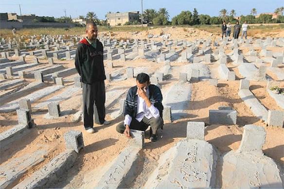 https://i0.wp.com/lh3.googleusercontent.com/_hFyIVHLPW40/Ta8t8mGla2I/AAAAAAAAG_M/p-lJQL1Dq8g/Besieged-Libyan-City-Of-M-005.jpg?resize=584%2C388&ssl=1