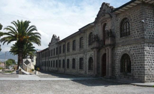 Museos De Quito Bilbioteca Aurelio Espinoza Polit