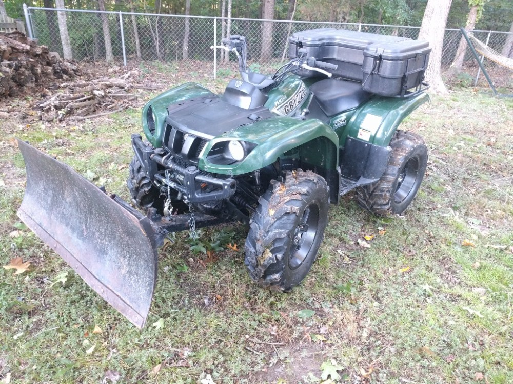 medium resolution of it is a 2002 yamaha grizzly 660 with 14 itp mud lites and a plow i got a box fender flares and replaced the grips so far
