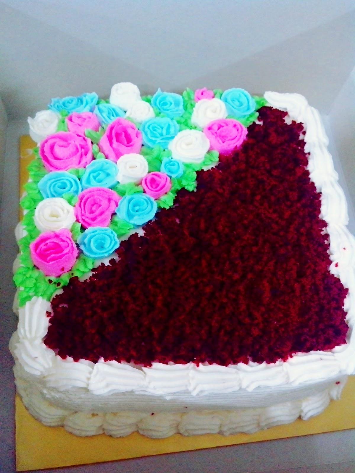 Red velvet cake for wedding  Kek Baldu Merah  Kek Kahwin