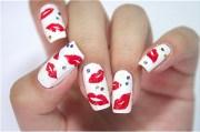nail sexy kissy lips design