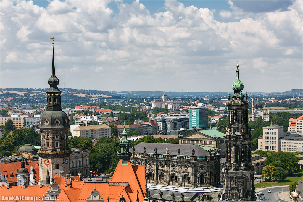 шпили дрезденского замка и кафедрального собора