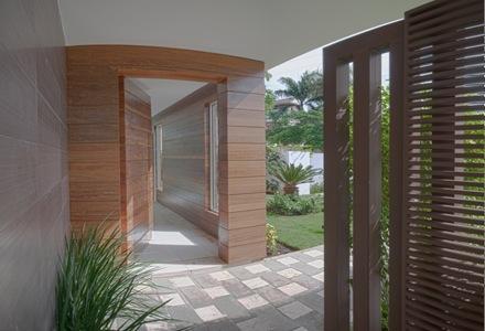 casa-moderna-revestimiento-madera