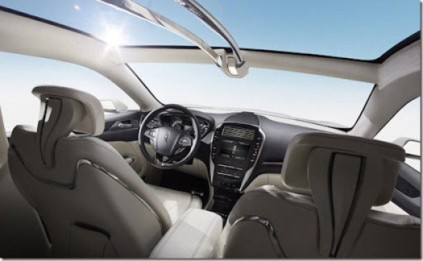 Lincoln MKC Concept: The panoramic glass on the flowing roofline of the Lincoln MKC Concept continues the practice of being warm and open.