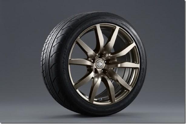 Nissan-GT-R-Midnight-Opal-3[3]