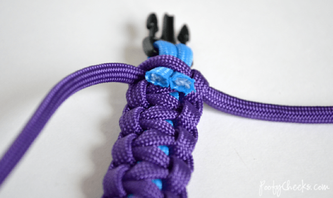 Step-by-Step Paracord Tutorial by Poofy Cheeks