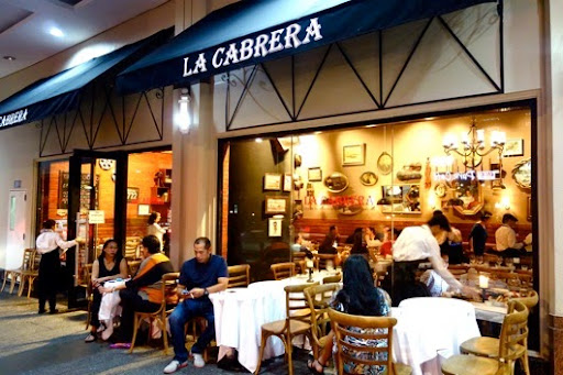 jin loves to eat La Cabrera