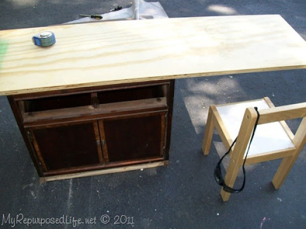 kids desk design stage