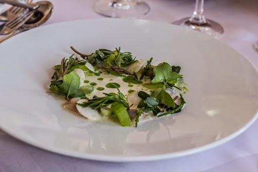 Salat med blåmuslinger på Svinkøv Badehotel - Mikkel Bækgaards Madblog