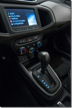 GM-Brazil-2014-Chevrolet-Prisma-06-medium