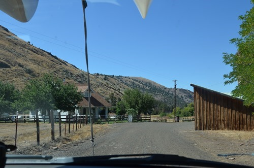 Pine Creek Lane goes right through this farmyard