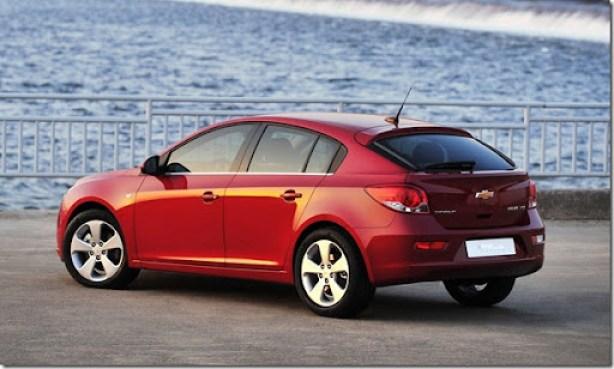 Chevrolet-Cruze_Hatchback_2012_1600x1200_wallpaper_06