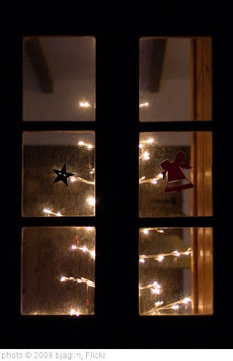 'Christmas tree #2' photo (c) 2008, bjaglin - license: http://creativecommons.org/licenses/by/2.0/