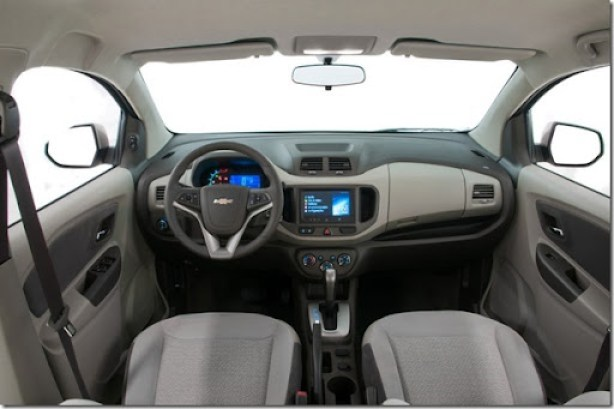 2014-Chevrolet-SpinLTZ-GM-Brazil-05-medium