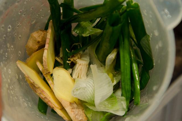 茅寶村: ★ 我家附近的有機農場﹐ 試做李梅仙的白斬雞﹑茶香燻雞﹐ 簡單喔﹗
