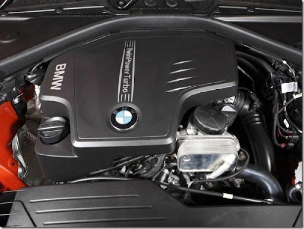 2012_BMW_125i_(_F20_)_5-door_M_Sports_Package_-_Australian_version_011_3233