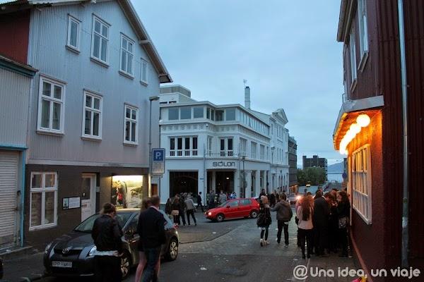 Islandia-Rejkavik-noche-1.JPG