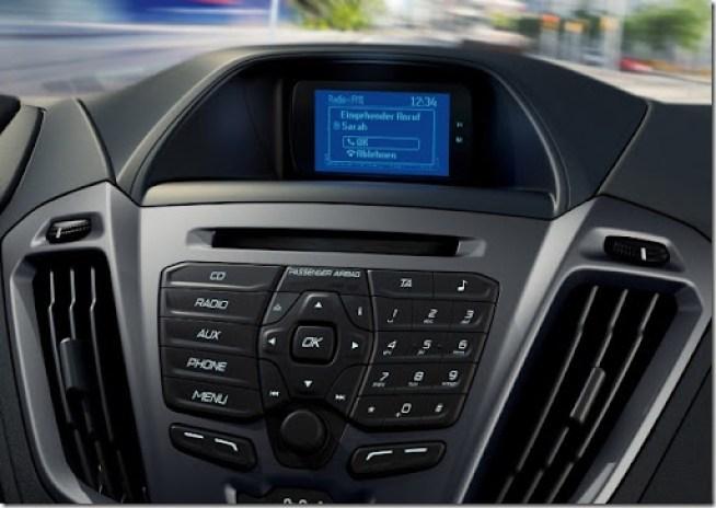 04-ford-tourneo-custom