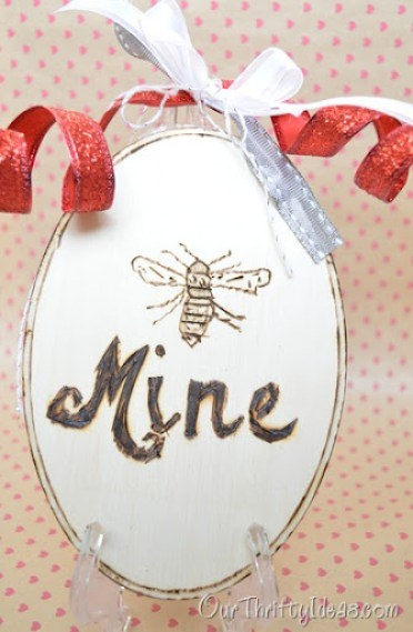 Our Thrifty Ideas: Bee Mine Printable used to make a plaque by burning wood