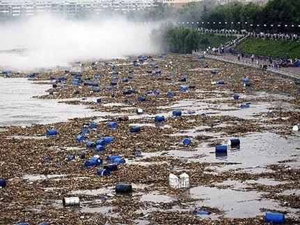 16-chot  - 16 chot thumb 25255B3 25255D - Nga lo nhiễm hóa chất từ Trung Quốc