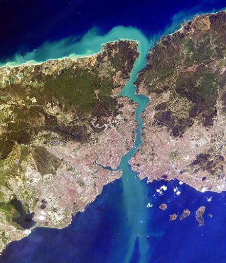 istanbul-bosphorus-1