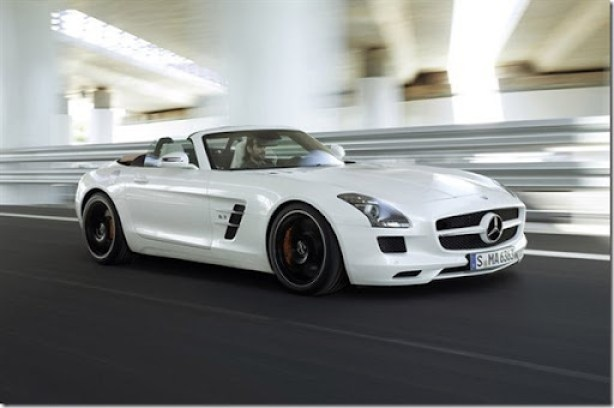 Mercedes-Benz-2451111121797161600x1060