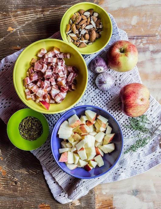 Ingredienser til topping til græskarsuppe med æbler, fennikelfrø og mandler - Mikkel Bækgaards Madblog
