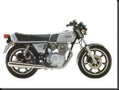 Yamaha XS400 77  1