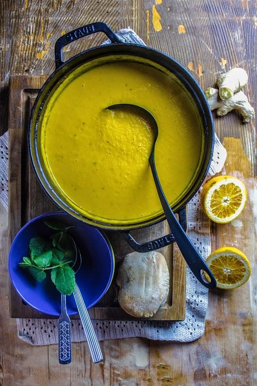 Gulerodssuppe med ingefær, appelsin, mynte og citrongræs - Mikkel Bækgaards Madblog