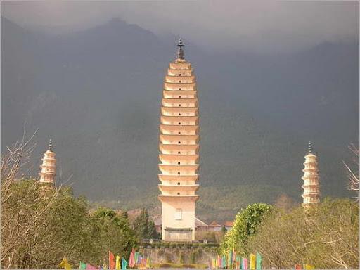 550px-Three_Pagodas_7