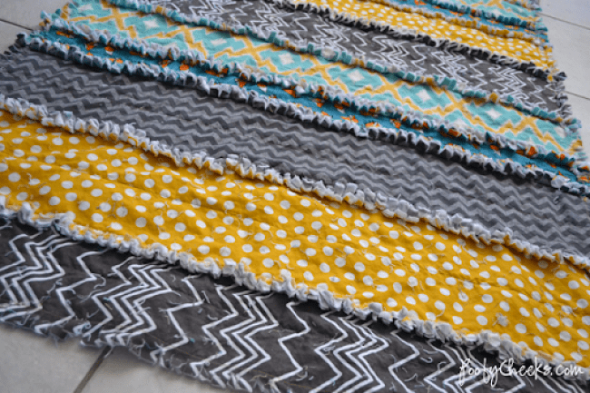 Easiest Fabric Strip Rag Quilt Tutorial