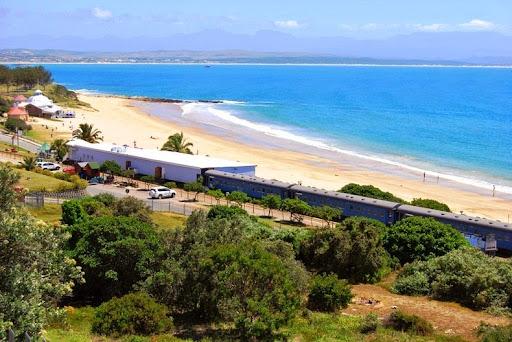 santos-express-train-lodge-10