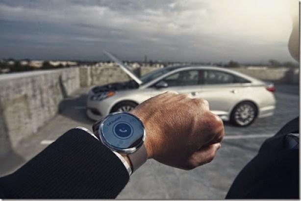 42539_Blue_Link_Smartwatch