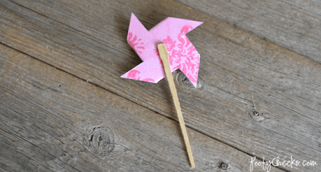 Pinwheel & Pearl Cupcake Topper Tutorial by Poofy Cheeks