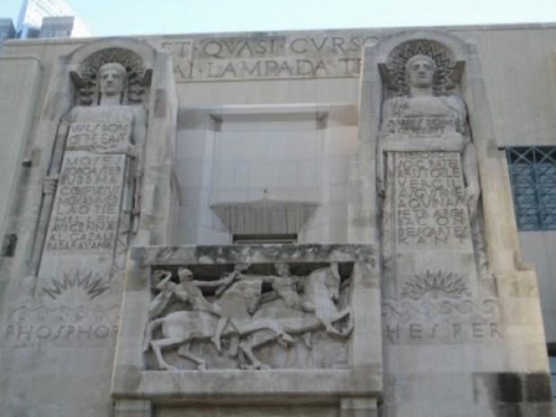 Biblioteca de Los Angeles Illuminati 13